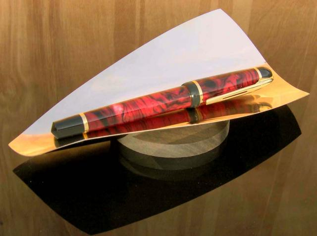 Goldenwave_Pen_Tray%2C_WeisbeckDesign.jpg